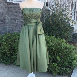 Size 7/8 - Mori Lee - Green Strapless Dress
